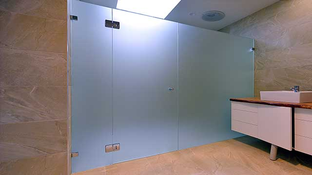 Frameless Shower Screens 10mm Geelong Splashbacks Atmos