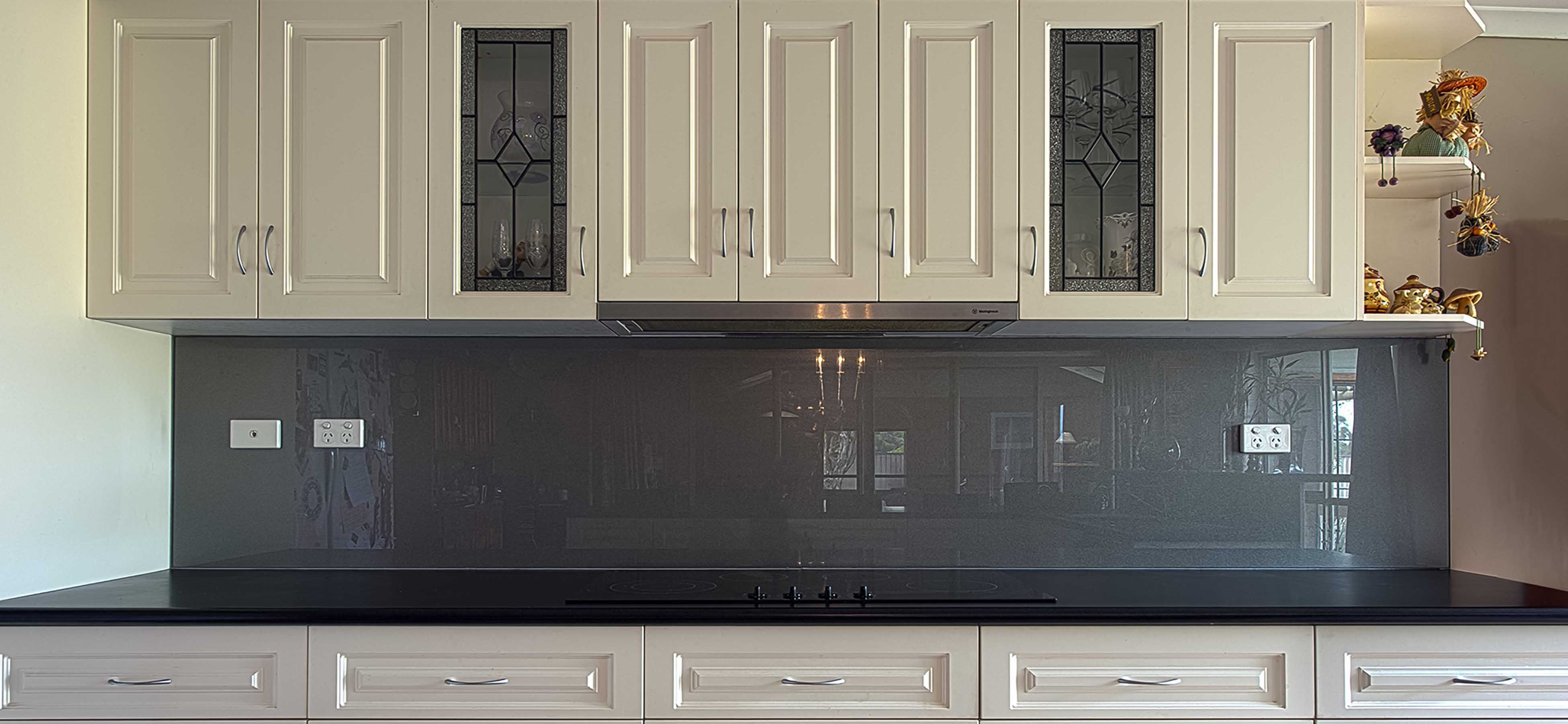 KOLOR™   Grey Metallic Kitchen Glass Splashbacks   Lara   Supplied U0026  Installed By