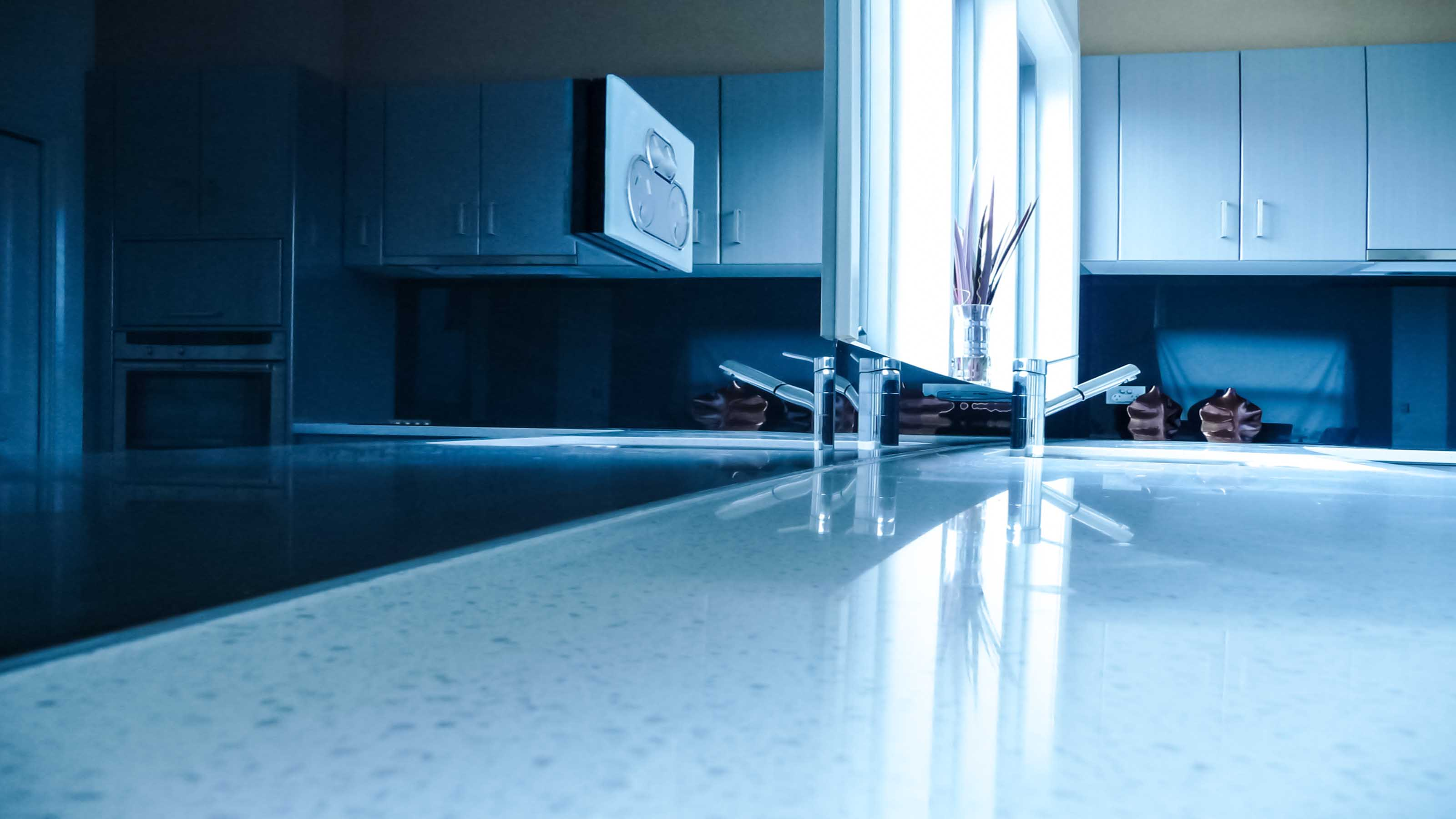 GLASS SPLASHBACKS | Colour | Geelong Splashbacks | KOLOR™